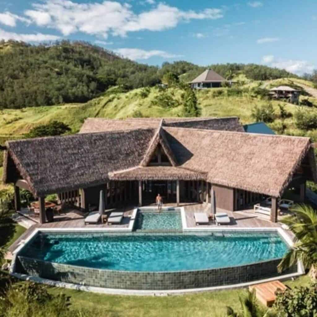 Private villa and pool in nature at the Six Senses Fiji.