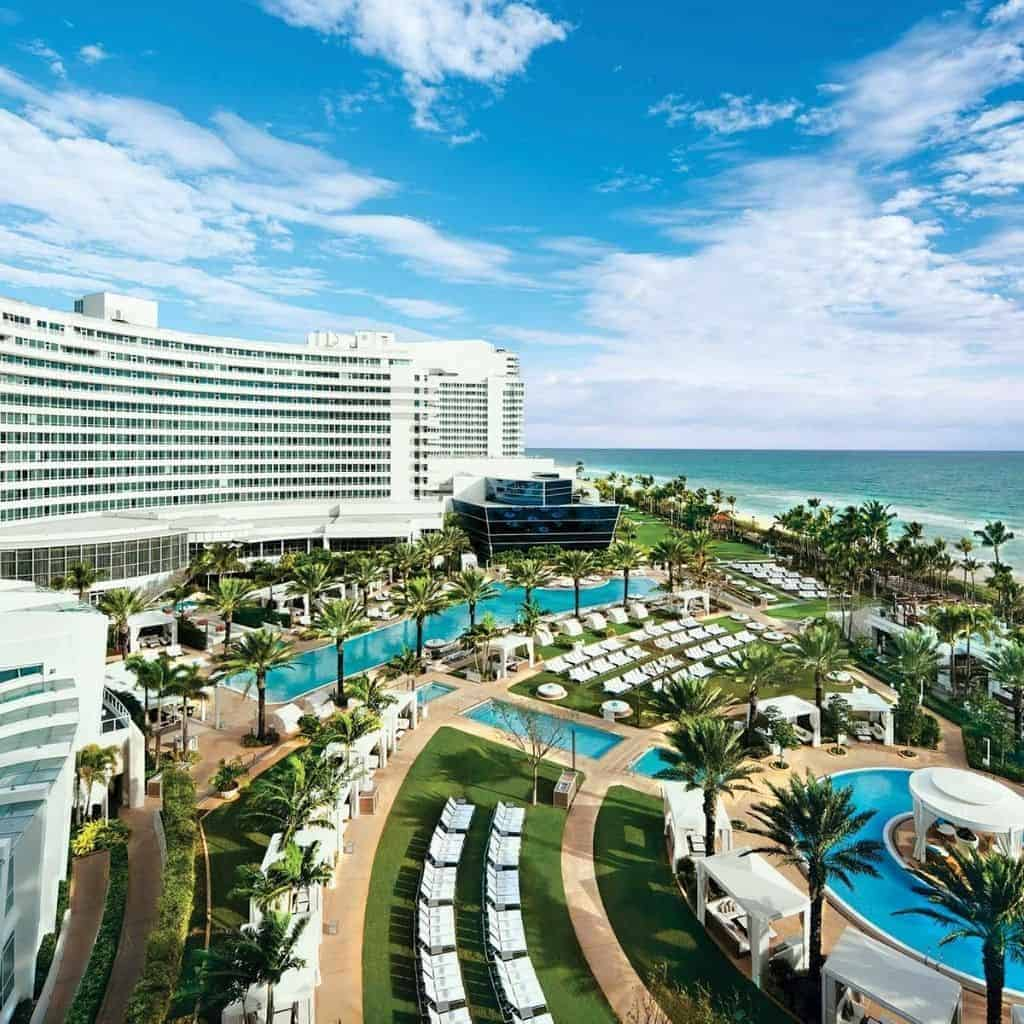 Exterior of Fontainebleau Miami Beach hotel and amenities.